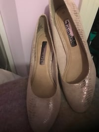 Pair of gray blush sparkly d signer size 9-10 Edmonton, T6H 0R5