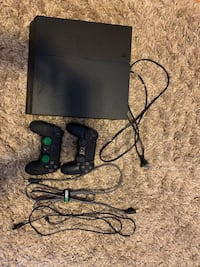 PS4 with 2 controllers Smithtown, 11780