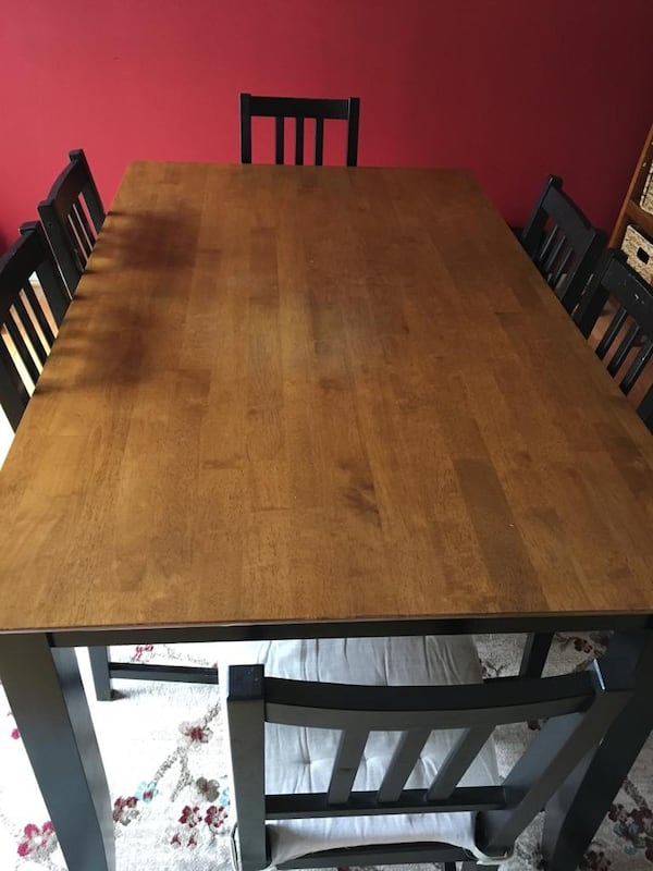 Dining  Table with Six Chairs and Cushions 281401d9-f362-4e13-ba2e-56a20fb76acf