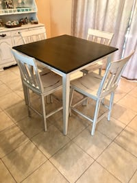 Shabby chic dinning table with 4 chairs  Port Saint Lucie, 34953