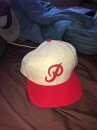 white and red fitted cap Langley, V3A