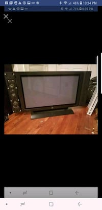 Hp 42 inch tv no remote. Missing side panel from s South Riding, 20152