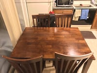 Wooden brown kitchen table w 4 chairs Mechanicsburg, 17055