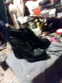 Womans Boots must sell emergency situation