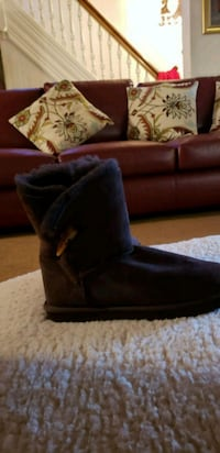 Brown fur suede boots brand new Darby