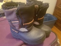 pair of black leather boots Windsor, N9C