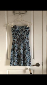 Super Cute Lace Dress Size S. Brand new, never worn! I can meet in Downtown. Vancouver, V6B 1B6