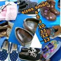 three pairs of assorted shoes 1039 mi