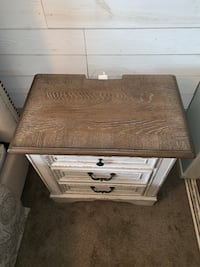 2 Rustic Style Realyn Night Stands Ventura