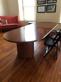 round brown wooden pedestal table Hillsboro, 20132