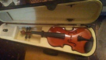 4/4 Full Size Violin with case, bow, accessories $69