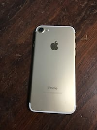 Iphone 7 gold  Barrie, L4M 4C3