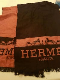 Gorgeous  Hermes  scarf  Whitby, L1N 8X2