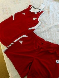 Adidas Wisconsin Badgers NCAA 2 piece Medium Manassas, 20109