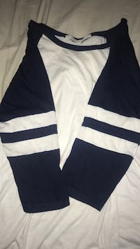 navy blue and white half sleeve BLUE NOTES LARGE Winnipeg, R3M 1A4