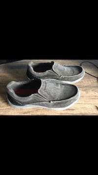 pair of gray suede slip-on shoes St Thomas, N5R 6L2