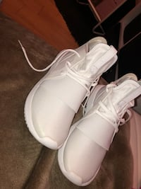 Pair of white adidas shoes Gatineau, J8Z 3A9