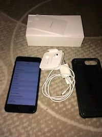 black iPhone 7 with charger and box 551 km