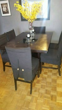 Brown wooden dining table set Toronto, M1B 3L9