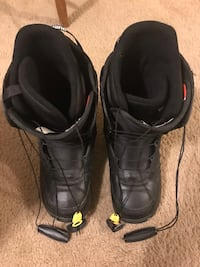 Burton Moto snow boarding boots size 11 men used once only like new check out my other listings on this page message me if you interested pick up in Gaithersburg md 20877 Gaithersburg, 20877