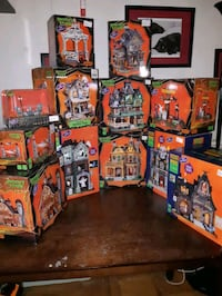 Calling serious collectors of spookytown village!