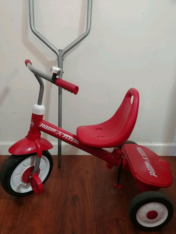 Radio Flyer Trycicle. 7a246666-94c6-45bc-bd7c-0f9507a705e5