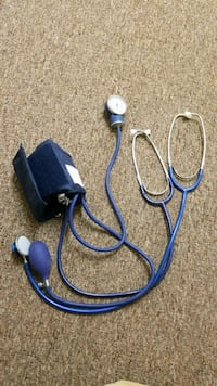 blue and white corded headphones Fargo, 58103