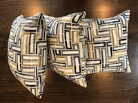 Throw pillows - set of 3 Boston, 02132