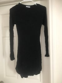 black crew-neck long-sleeved mini dress