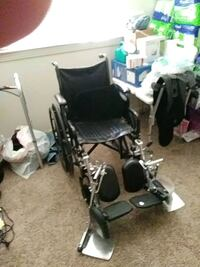 Stand alone wheelchair only used to roll in the ho Modesto, 95350