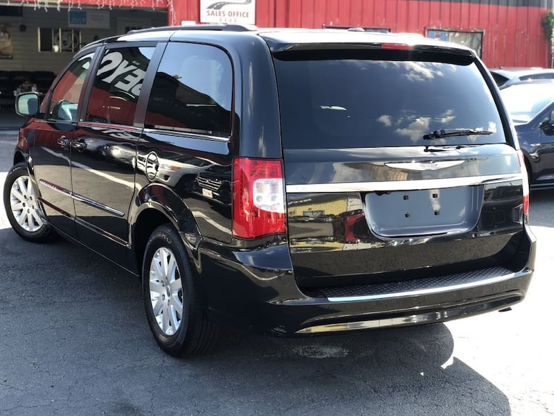 Chrysler Town & Country 2014 3