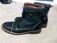 pair of black leather boots Melbourne, 32901