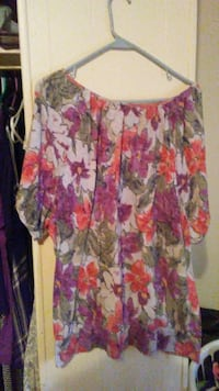white, green, and purple floral scoop-neck short-sleeve blouse Sulphur, 70663
