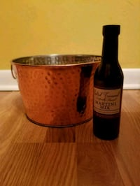 Copper ice bucket and martini mix Fort Smith, 72903