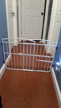 Small dog or cat gate