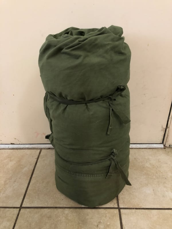 Vintage Army Sleeping Bag a7c23a69-33d0-4441-850a-29c7a6066f15