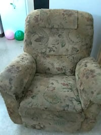 white and gray floral sofa chair Hagerstown, 21740