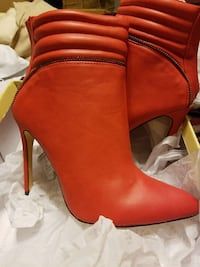 red leather heeled boots size 8 San Antonio, 78244