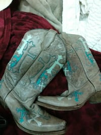 pair of gray with blue crosses cowboy boots Abilene, 79606
