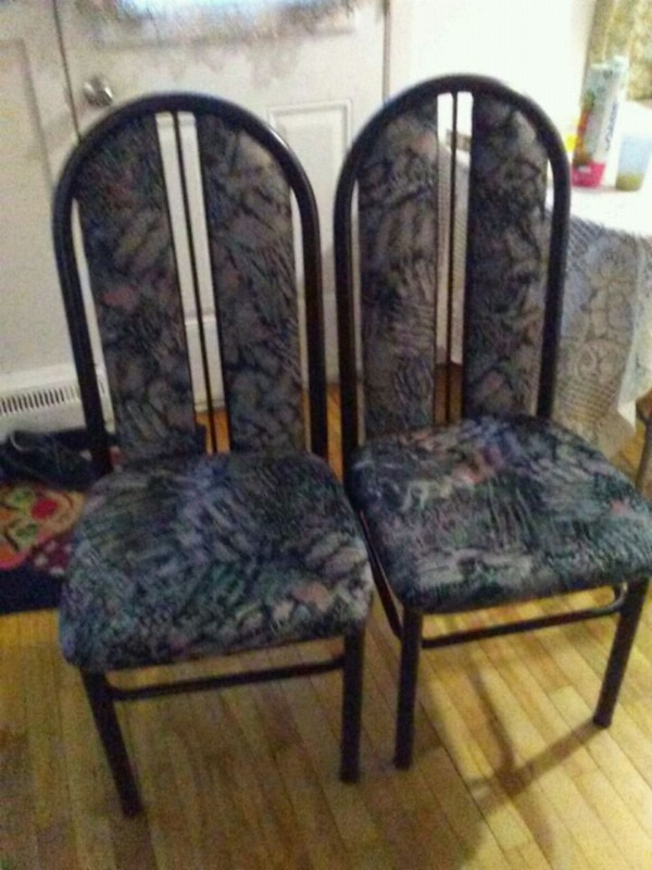 black and gray floral padded chair