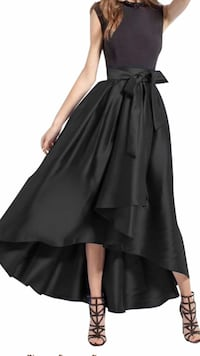Black prom skirt( brandy new)size 8 Ottawa, K4A 4J6
