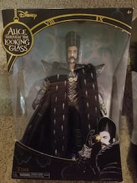 Time Figurine   Alice Through the Looking Glass.