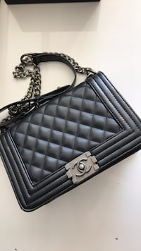 quilted black leather crossbody bag Austin, 78741