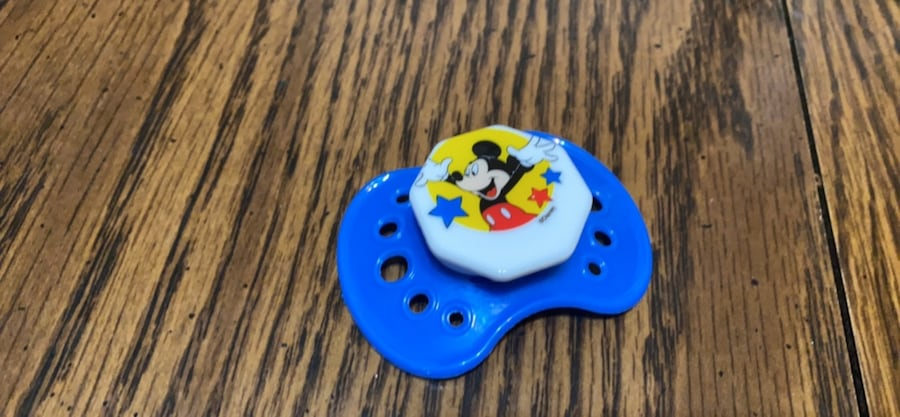 Magnetic pacifiers for reborn babies 035a86c7-73aa-48fe-a68a-cb70bb7f9bf2