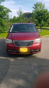 Chrysler - Town and Country - 2011 Toronto