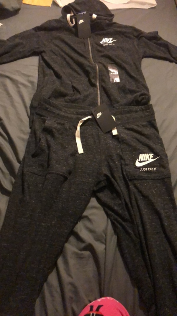 34fe84a202 Used Nike Sweatsuit for sale in New York - letgo