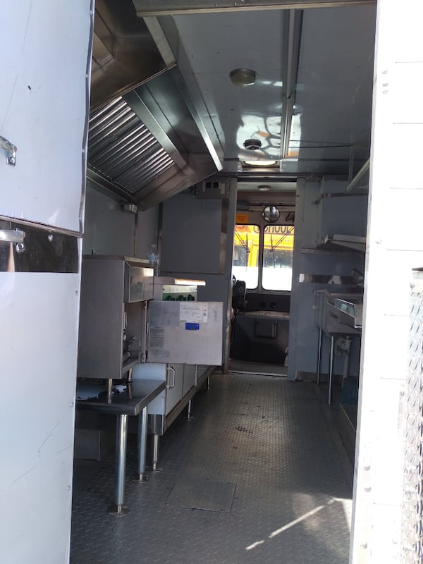 Se vende food truck algo negociable.. 2