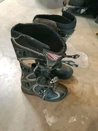 Fox riding boots mens size m8 Moreno Valley, 92557