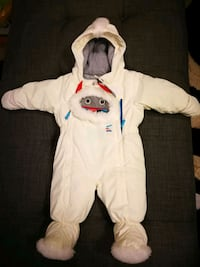 baby's winter suit NEW Laval, H7Y 2A8