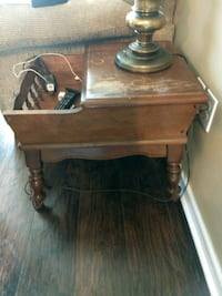 End table with cubby Springfield, 31329